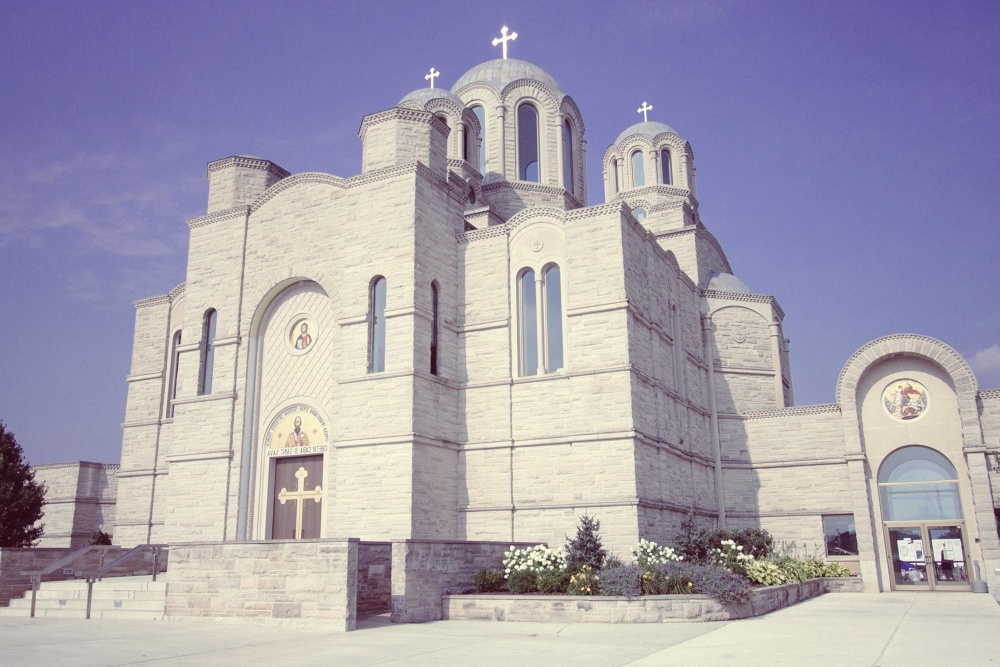 الكنيسة الرومانية الأرثوذكسية تقول لا لفصول التربية الجنسية الإلزامية في المدارس