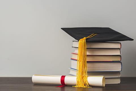 وزير التربية يشرح قرارات الامتحانات النهائية والاختبارات والعلامات النهائية